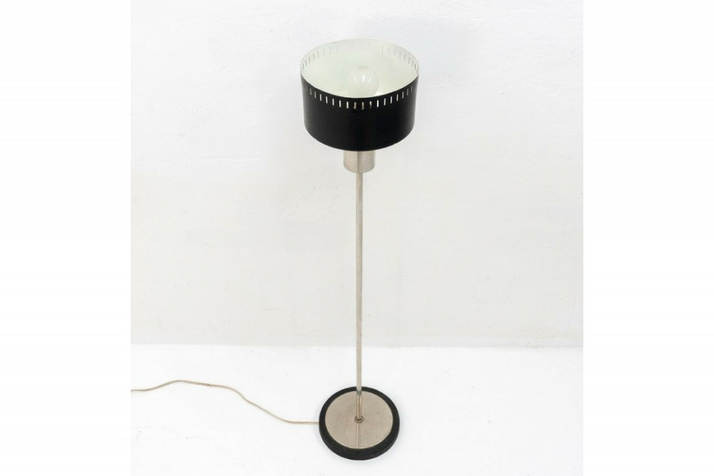 1960s-floor-lamp-style-stilnovo_4
