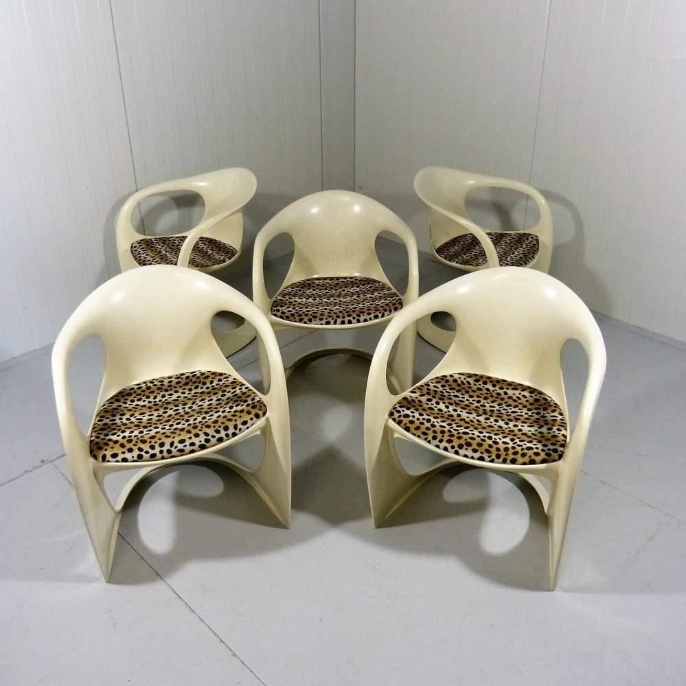 alexander-beggeset-5-casala-dining-chairs