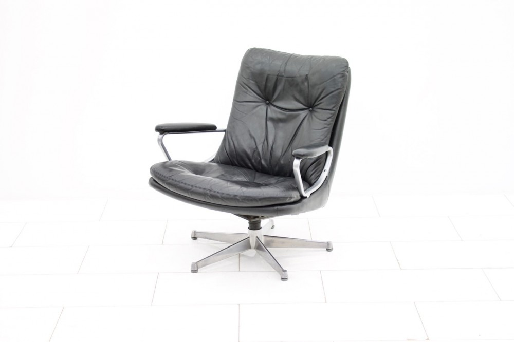 andre-vandenbeuckblack-leather-lounge-chair-gentilina-andre-vandenbeuck-for-strassle