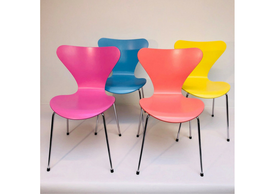 arne-jacobsenbutterfly-chairs-arne-jacobsen-8-chairs-multi-colors