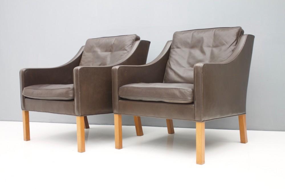 borge-mogensenpair-borge-mogensen-lounge-chairs-2207-chocolate-brown-leather