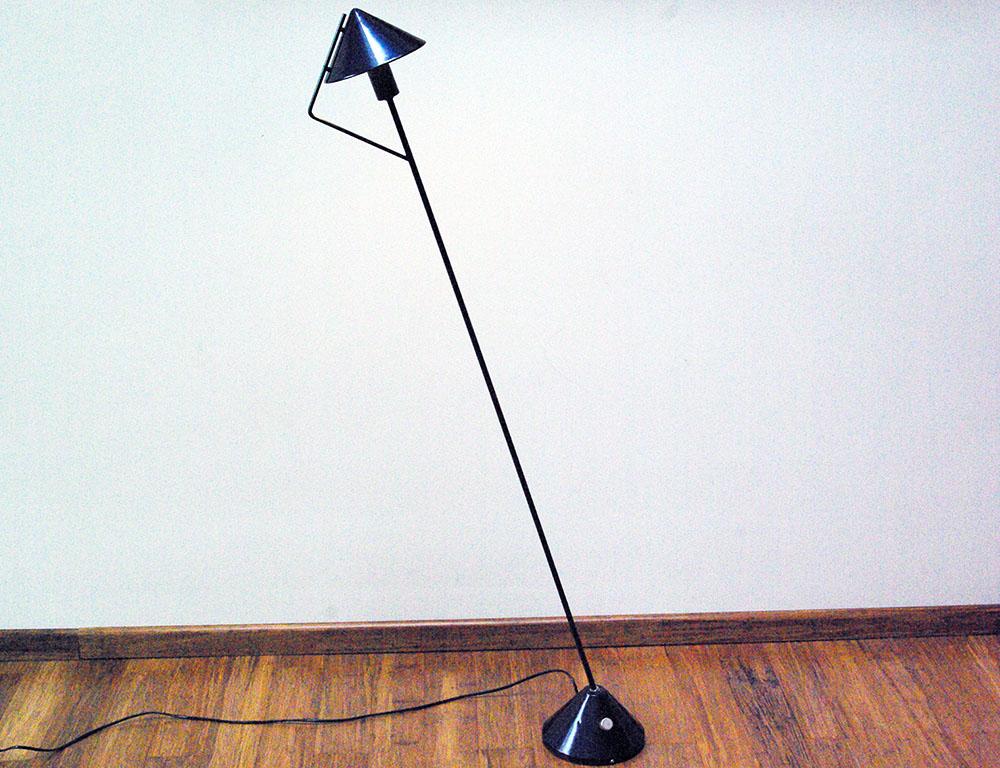 bullet-floor-lamp-for-hala-zeist