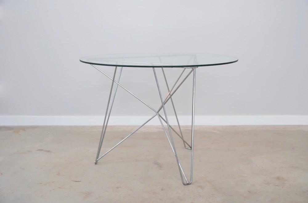 constant-nieuwenhuysijhorst-table-cobra-co-founder-constant-nieuwenhuys