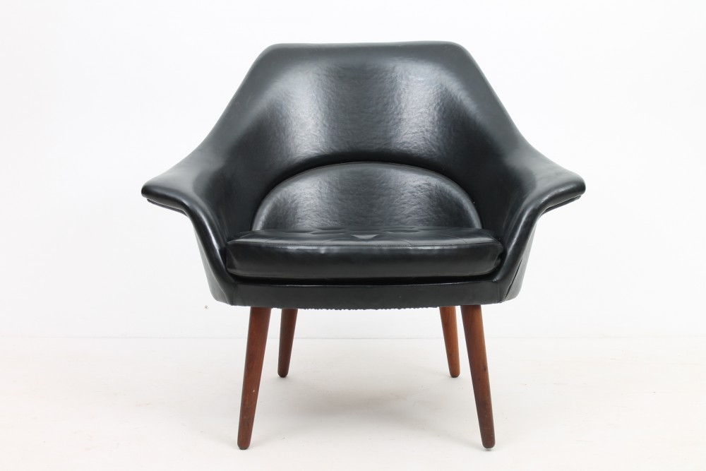 danish-vinyl-easy-chair