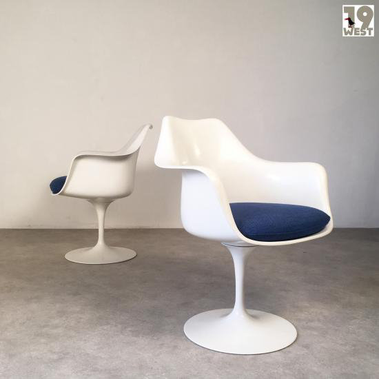 eero-saarinentwo-tulip-arm-chairs-eero-saarinen-knoll-international