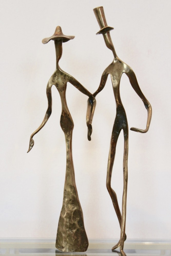 elegant-bronze-holding-hands-sculpture-1970s