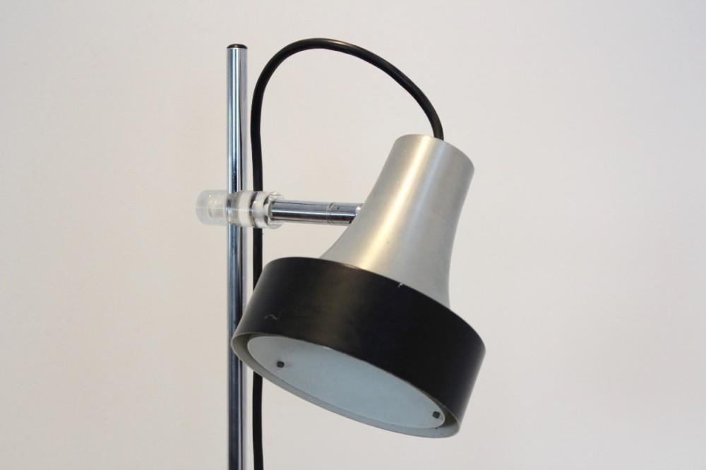 expressive-raak-d-3202-aluminium-and-chrome-floor-lamp