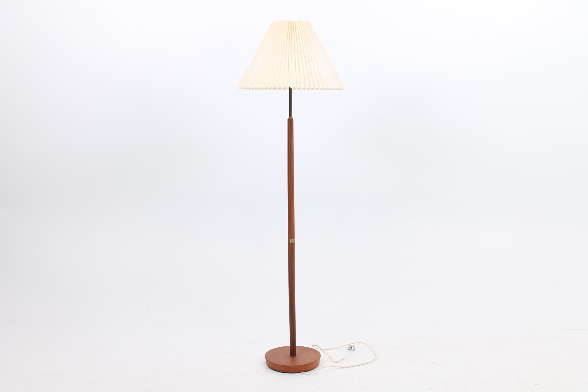 floor-light-teak