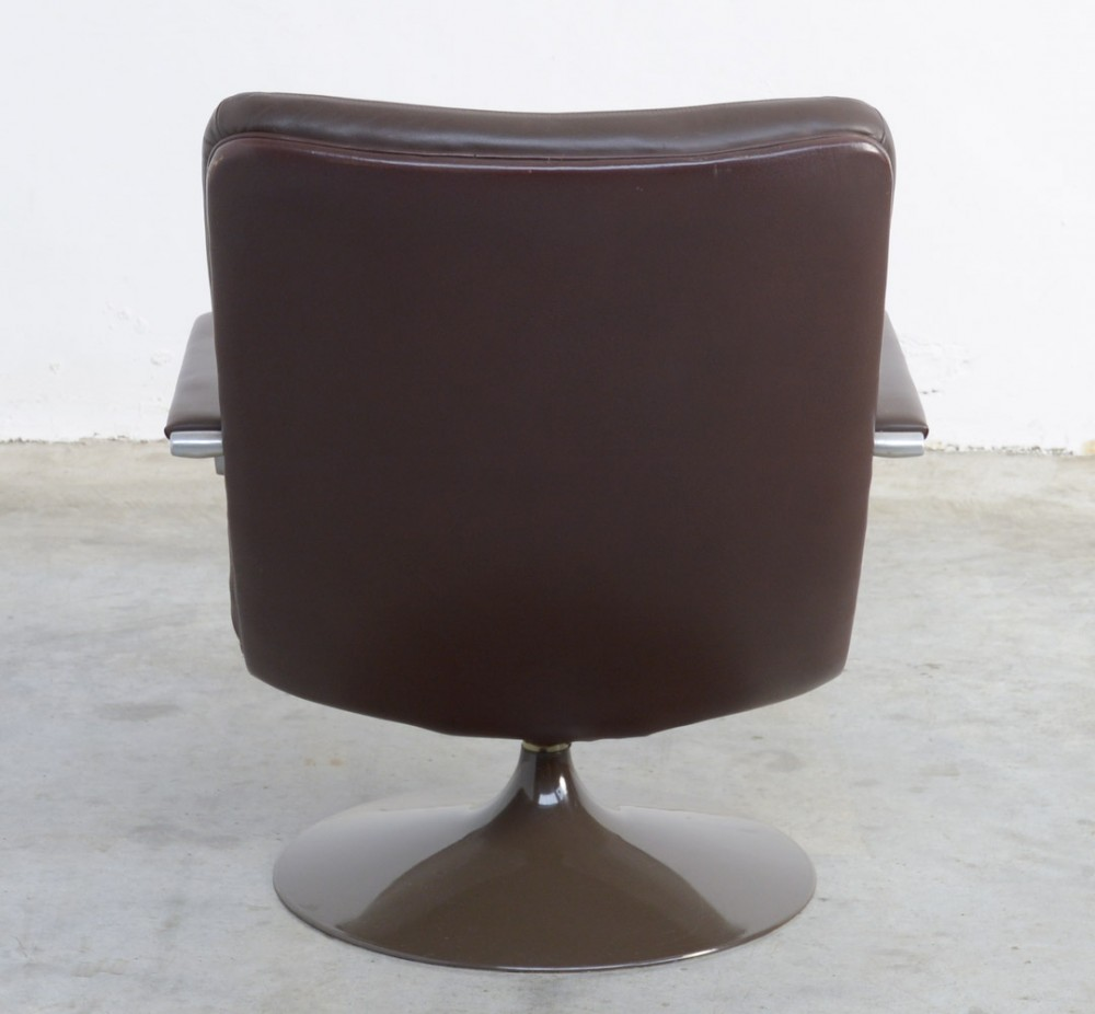 Brown Leather Lounge Chair ...