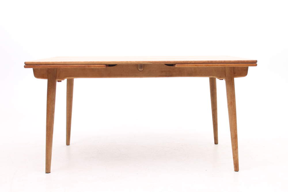 hans-wegnerat-312-oak-dining-table-designed-hans-j-wegner-dk