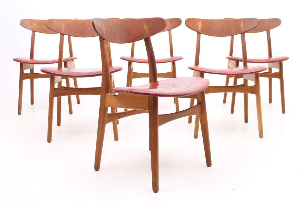 Set of 6 CH30 chairs by Hans J. Wegner, Denmark.