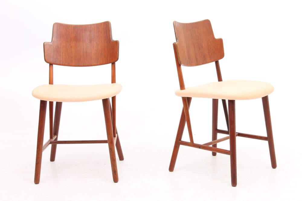 ib-kofod-larsenpair-side-chairs-ib-kofod-larsen-dk