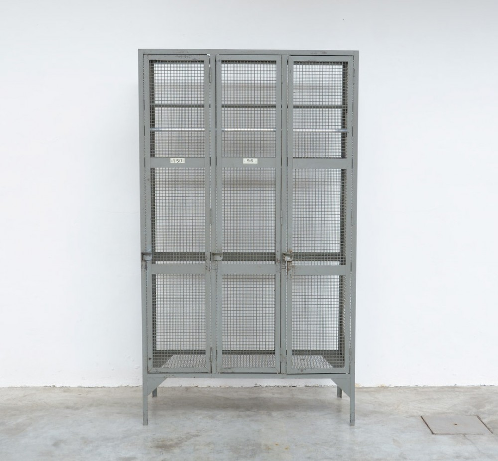 industrial-transparent-metal-locker-cabinet