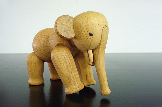 kaj-bojesentoy-elephant-kay-bojesen