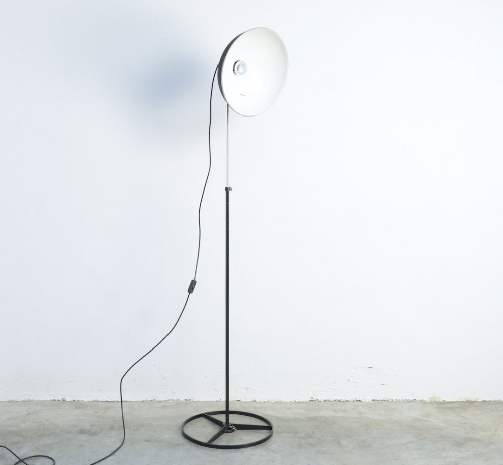 kapblack-industrial-floor-lamp-kap
