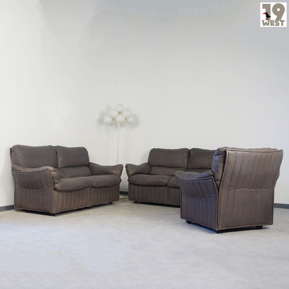 leather-lounge-suite-from-1960s