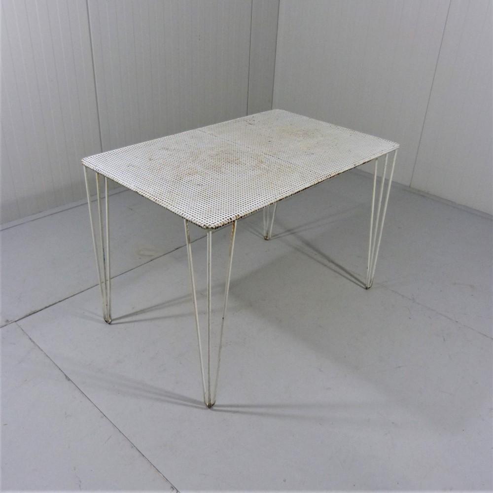 mategot-style-table-garden-table