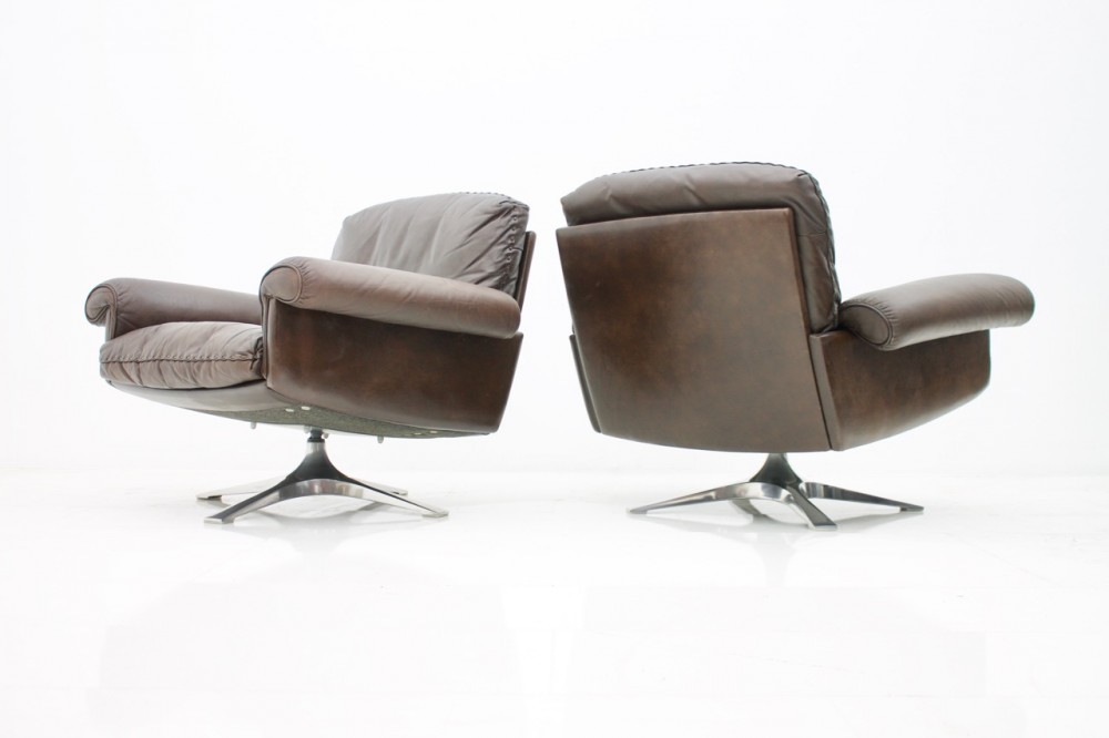 pair-swivel-leather-lounge-chairs-ds-31-de-sede-1970s