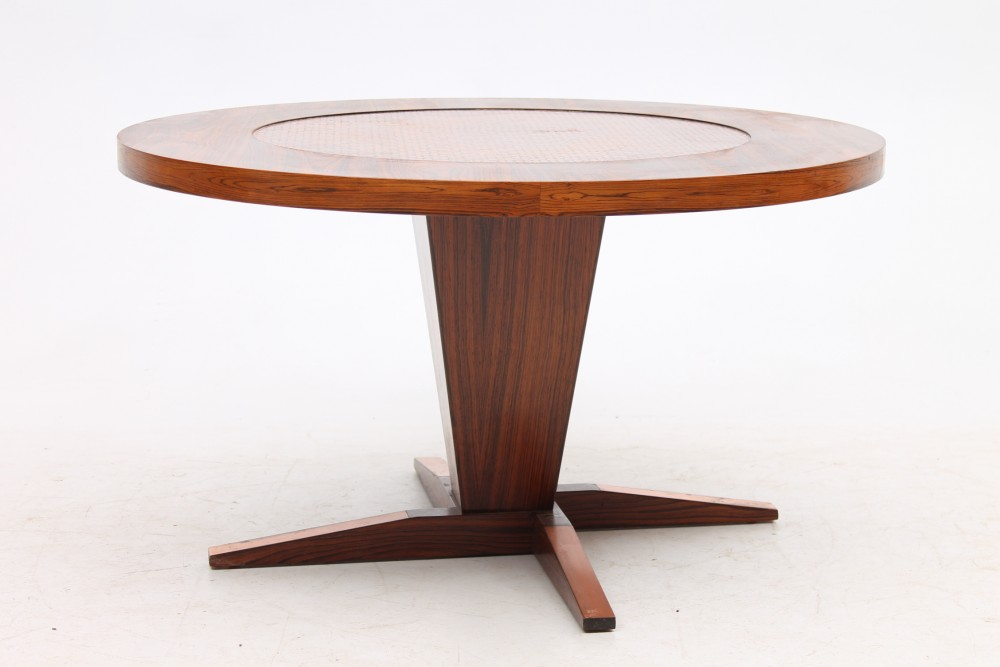 round-rosewood-copper-coffee-table