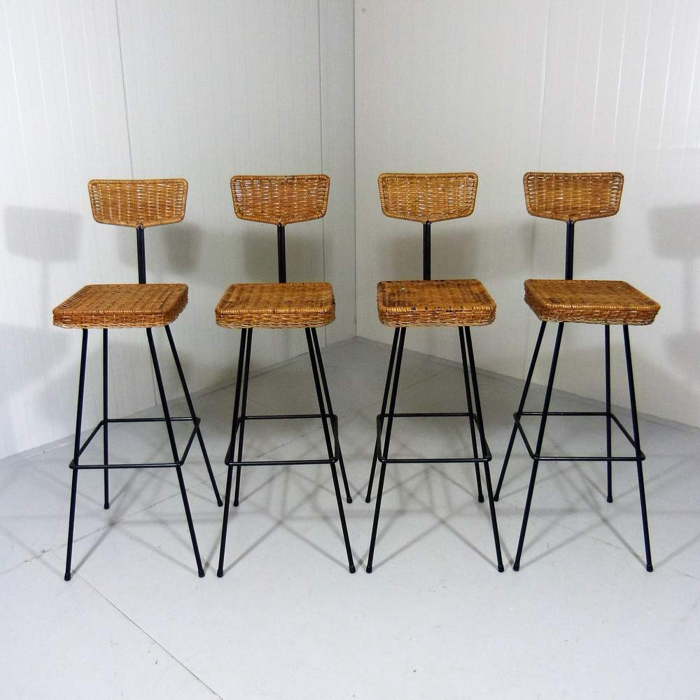set-4-rattan-bar-stools