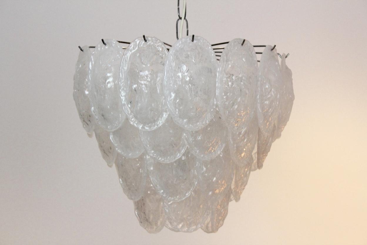 sublime-murano-frosted-glass-leaves-chandelier-av-mazzega-italy