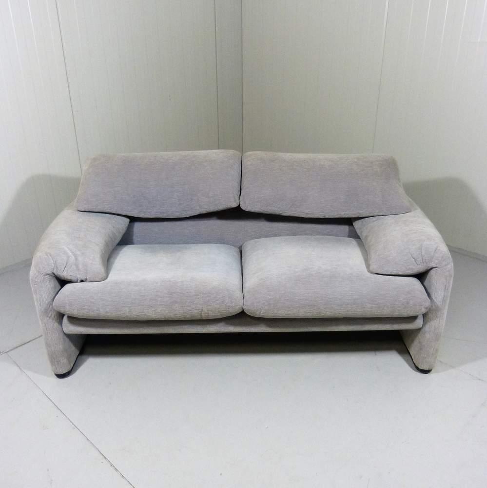 vico-magistrettimaralunga-two-seater-sofa-cassina