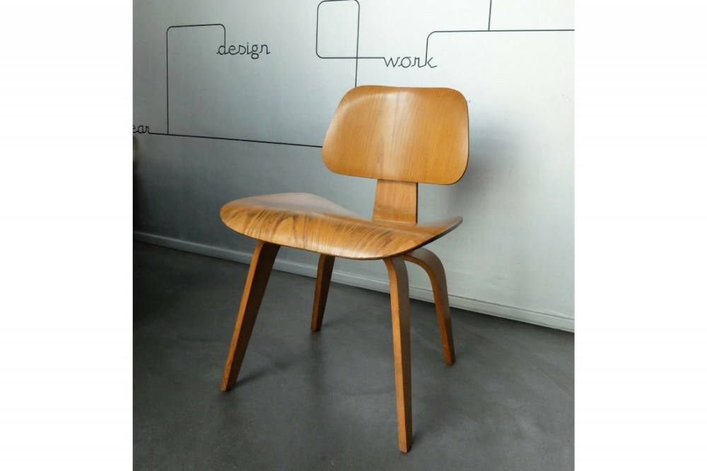 charles-eames-man-raydcw-chair-calico-ash-charles-ray-eames-for-herman-miller-1950