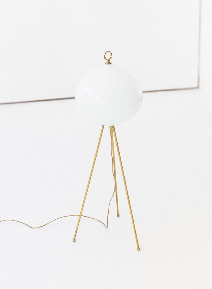 italian-mid-century-modern-brass-and-opaline-glass-floor-tripode-lamp-1950s_0-3