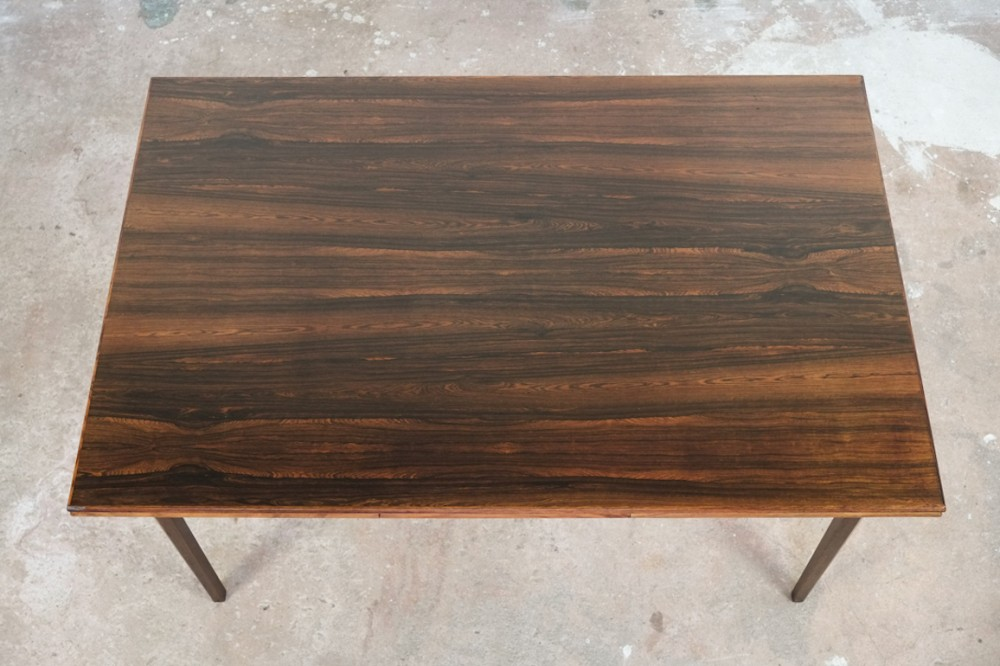 typical-danish-extendable-table-rosewood
