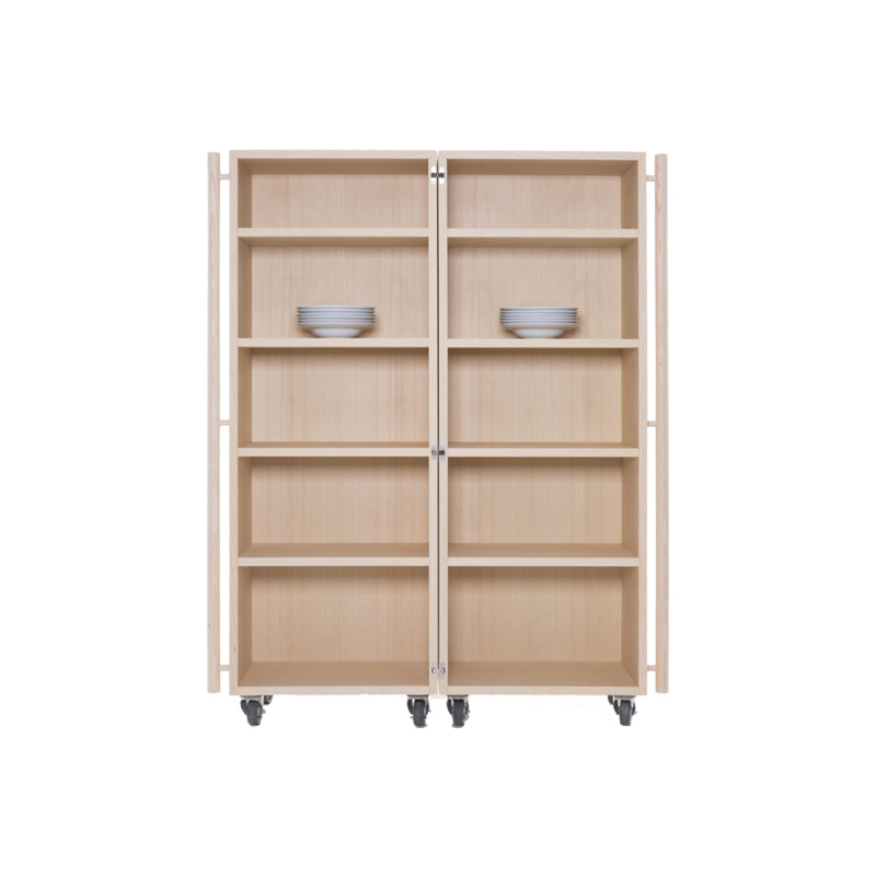 Outing, Cabinet on casters
