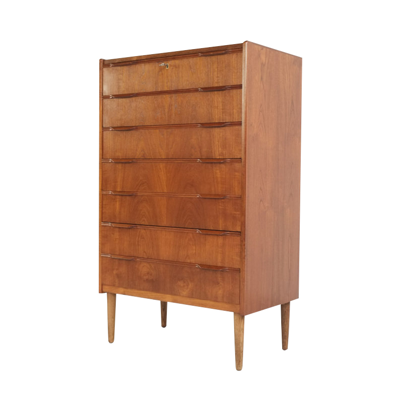 Danish chest of 7 drawers in teak