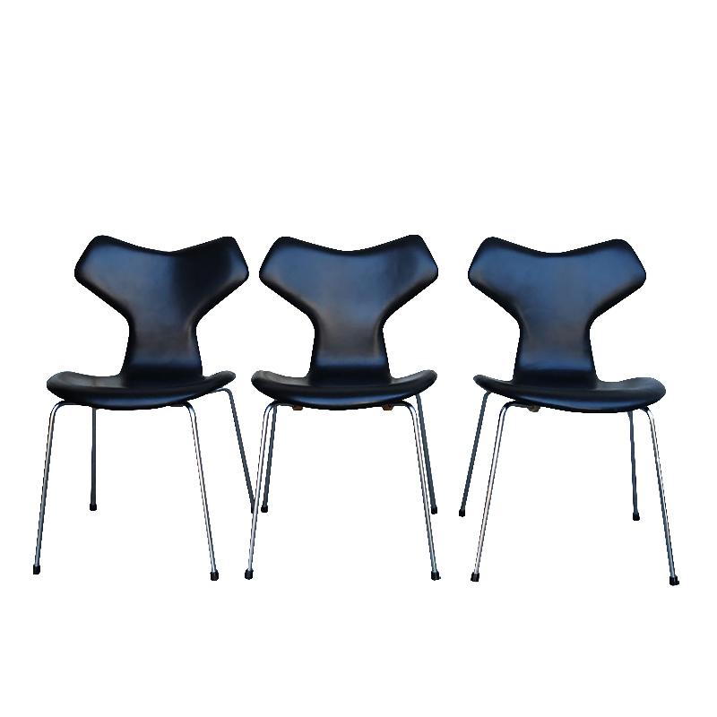Grand Prix chair Arne Jacobsen for Fritz Hansen black leather