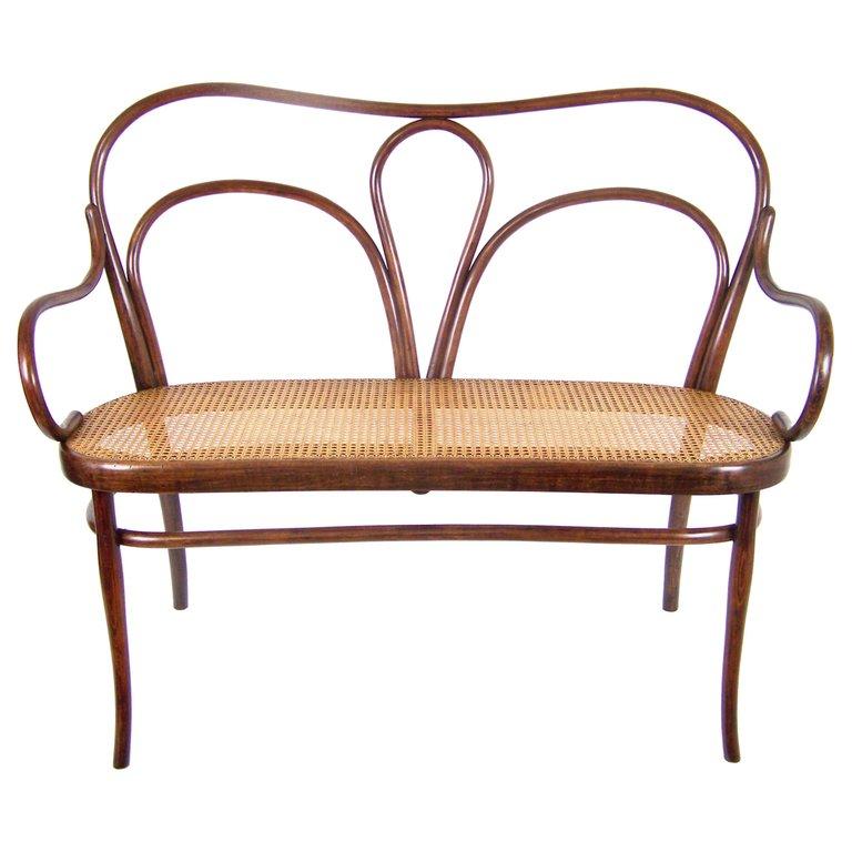 Art Nouveau Sofa Thonet Nr.18 circa 1918