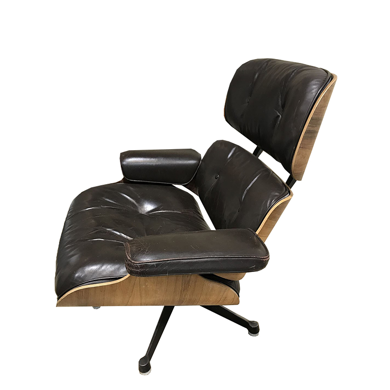 Charles Eames armchair – Brown smooth leather – Herman Miller edition – circa 1970