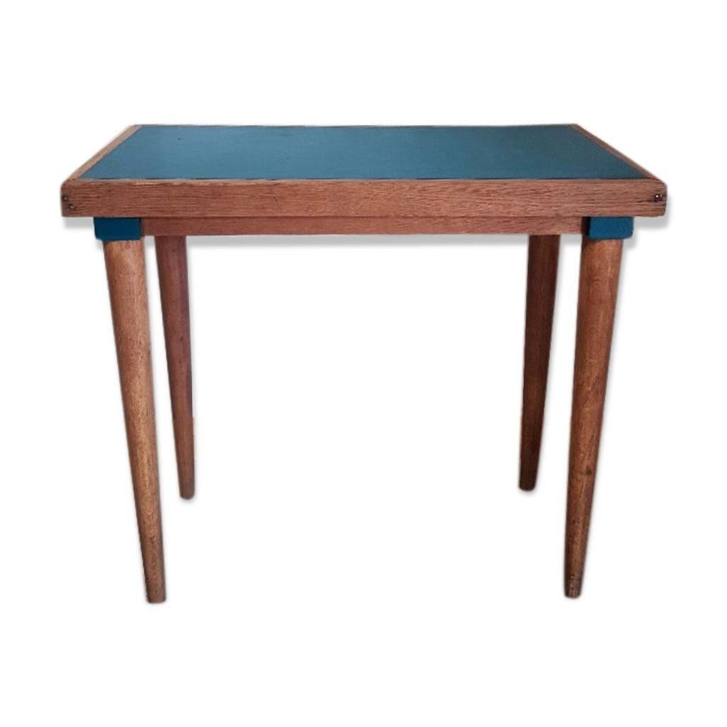 Table d'appoint pieds fuselés