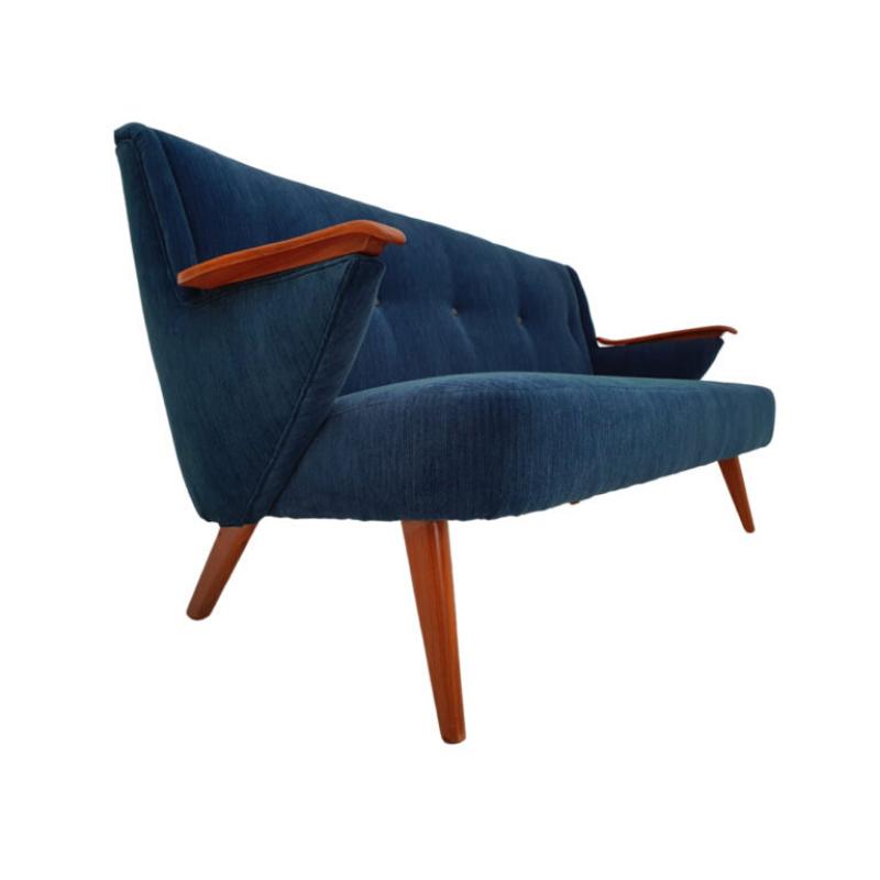 Danish 3 seater sofa, Chresten Findahl Brodersen, 50s, completely renovated – reupholstered