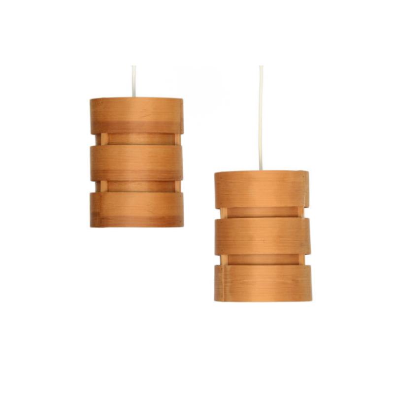 Pair of pine veneer pendant lights T355 Berse by Hans-Agne Jakobsson for Ellysett AB. Sweden 1960s-3