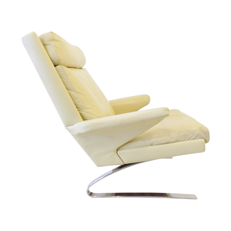 COR Swing creme leather loungechair by Reinhold Adolf