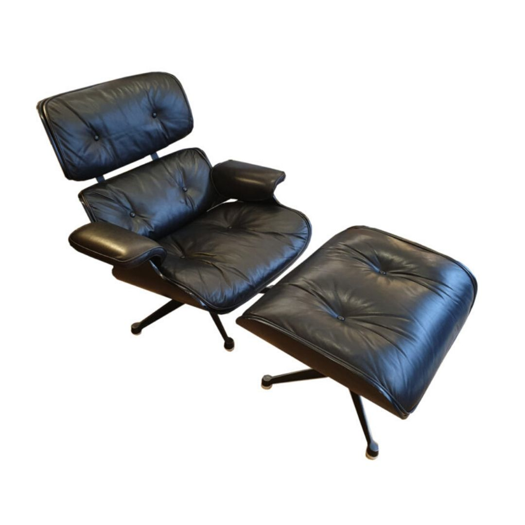 Lounge chair with Ottoman / Charles Eames