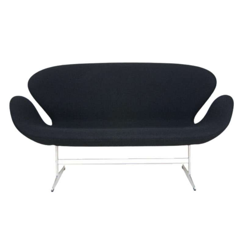 Authentic Danish Swan Sofa designed by Arne Jacobsen for Fritz Hansen