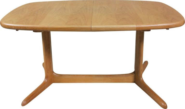 mid-century-oak-oval-table-from-skovby-1970s-768×452