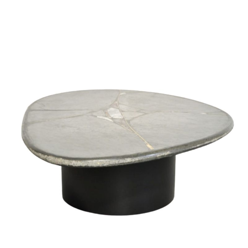 Brutalist oval natural stone coffee table designed by sculptor PAul Kingma, The Netherlands 1995