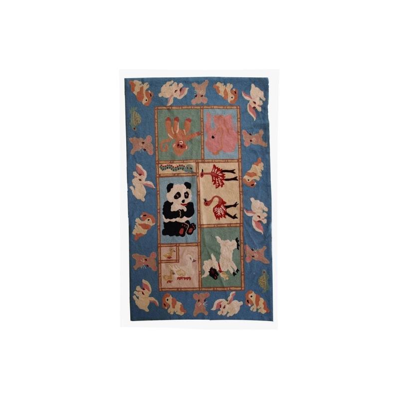 Handmade vintage American hooked rug 4.9′ x 7.7′ ( 149cm x 234cm ) 1970 – 1C94