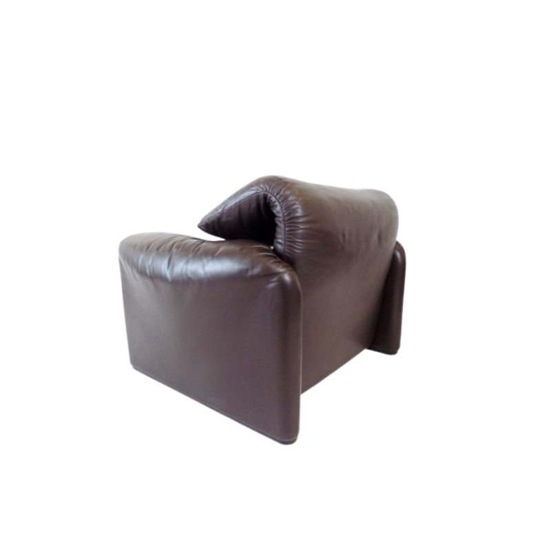 Cassina Maralunga leather armchair brown by Vico Magistretti