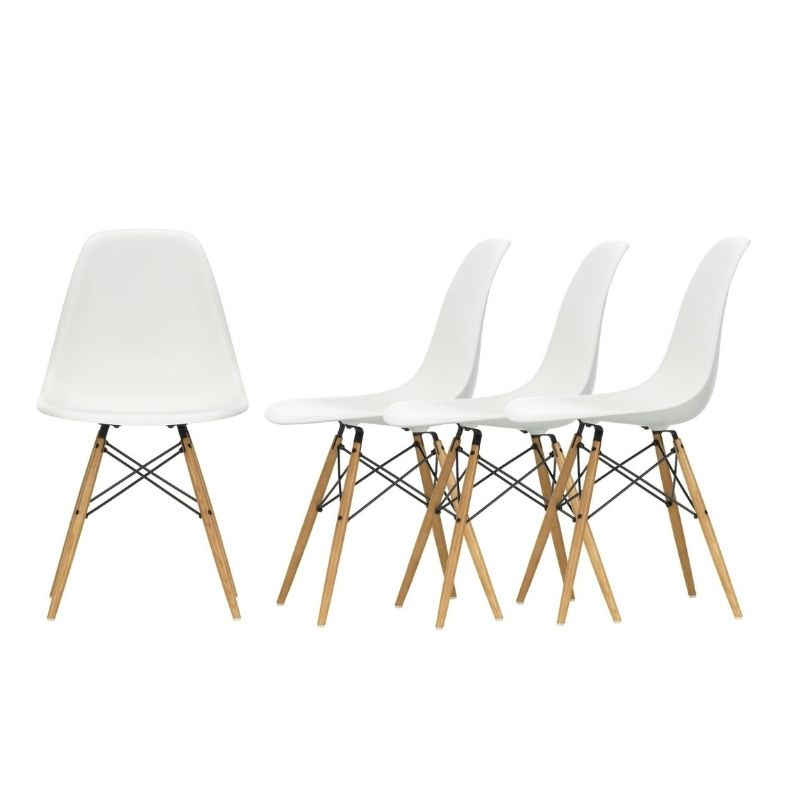 4 Eames, Plastic DSW Chairs