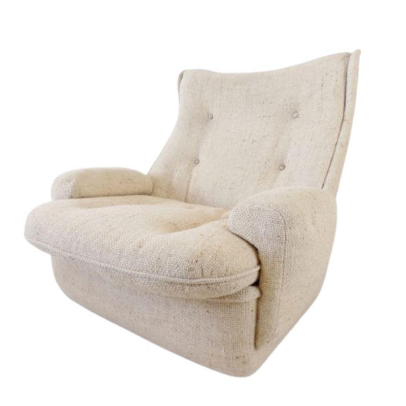 Airborne lounge chair by Michel Cadestin