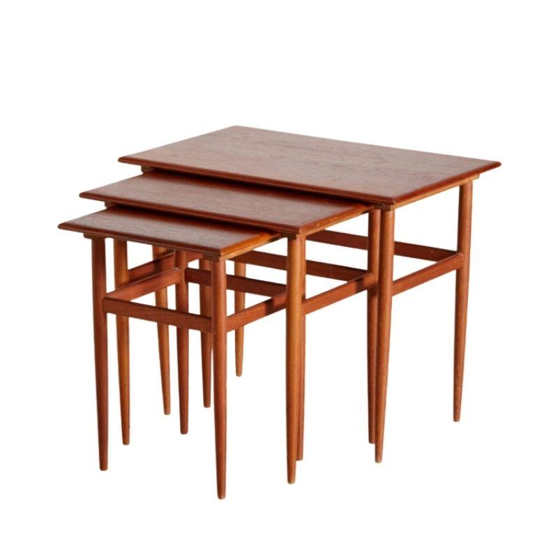 Teak nesting table