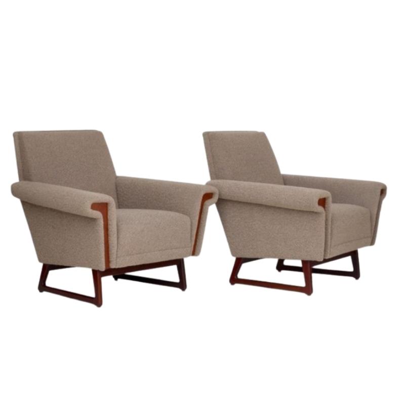 Mid-Century Scandinavian Lounge Chairs. Set of 2