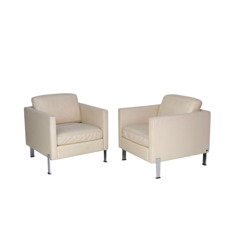 DS-118 Leather Lounge Chairs by De Sede. Set of 2